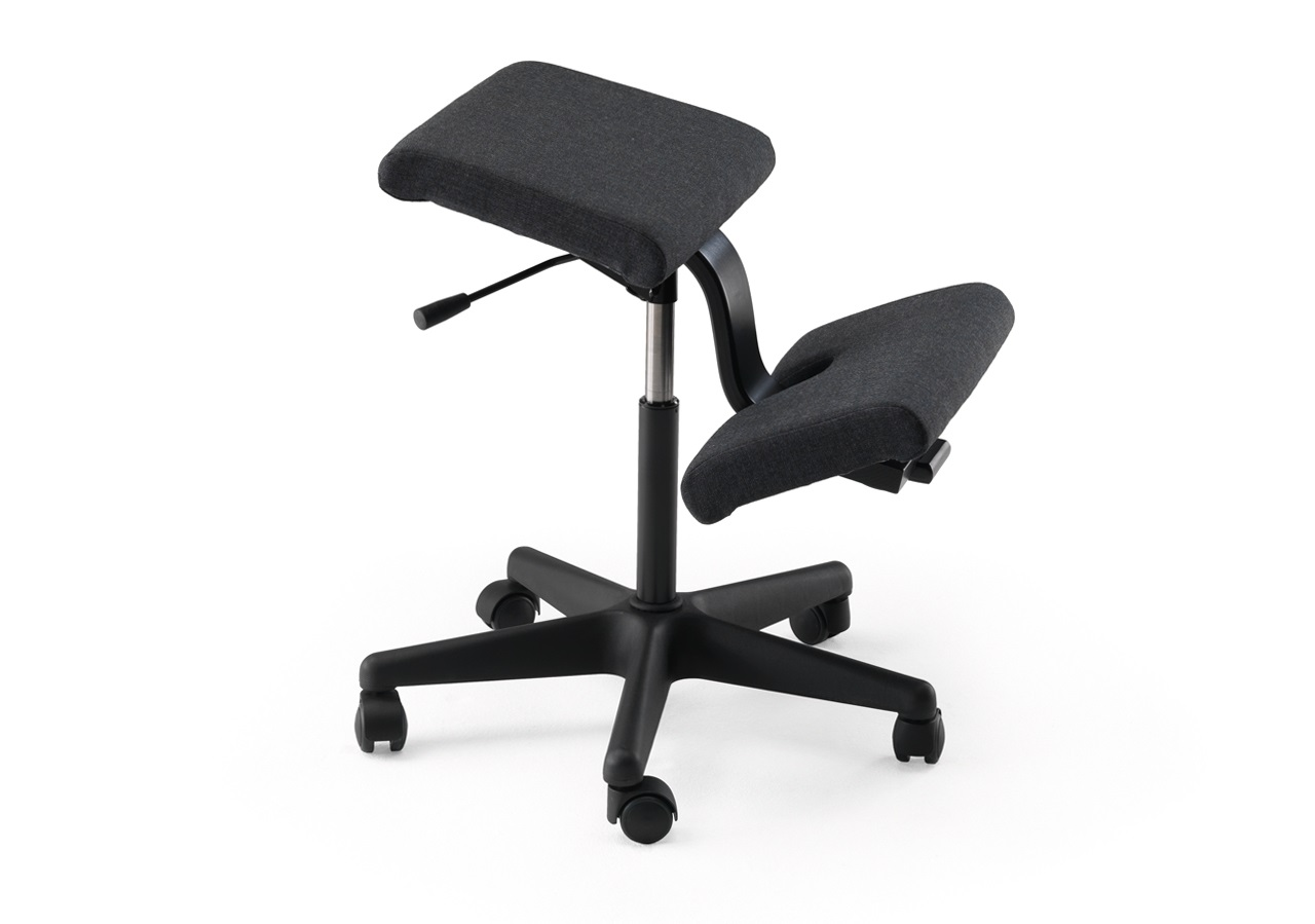 Varier Wing - Knee chair | worktrainer.com | Ergonomic working | Knee chair on wheels