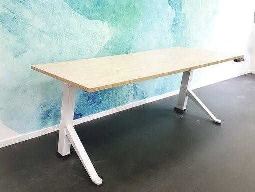 Y-desk Schreibtisch