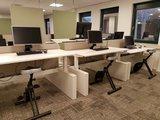 Sitz-steh Schreibtisch mit Deskbikes