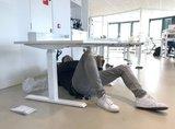 Sitz-Steh-Schreibtisch SteelForce 470   worktrainer.de  gesundes und aktives Arbeiten   verbesserte Konzentration  Ergonomie