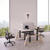 Doppelter Oak Desk Elektrisch höhenverstellbarer Schreibtisch   Stehen Sie gesund hinter unseren ergonomischen Arbeitspl