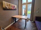 Sitz-Steh-Schreibtisch AluForce 140 - elektrisch| worktrainer.de| stehen und sitzen| Abwechslung| Gesund| Stabil| Kö