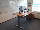 Sitz-Steh-Schreibtisch SteelForce 670   Sitzen und stehen Sie gesund auf unserem ergnonomischen Schreibtisch  elektrisch
